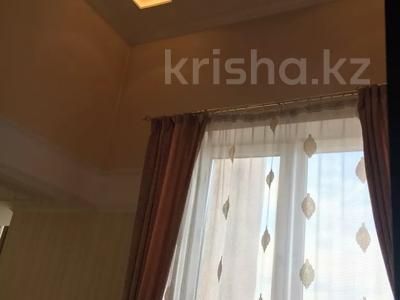 4-комнатная квартира, 145 м², 4/5 этаж, Набережная 24 — Аксайская за 45 млн 〒 в Алматы — фото 13