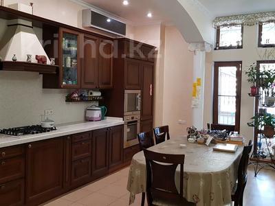 3-комнатная квартира, 215 м², 1/4 этаж, Мусабаева за 75 млн 〒 в Алматы, Бостандыкский р-н