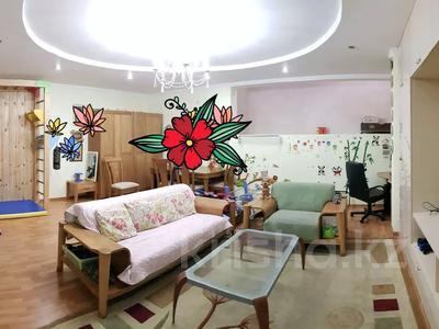 3-комнатная квартира, 215 м², 1/4 этаж, Мусабаева за 75 млн 〒 в Алматы, Бостандыкский р-н — фото 12