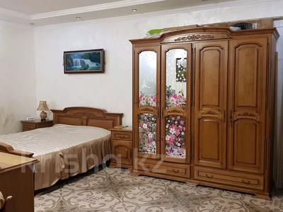 3-комнатная квартира, 215 м², 1/4 этаж, Мусабаева за 75 млн 〒 в Алматы, Бостандыкский р-н — фото 15