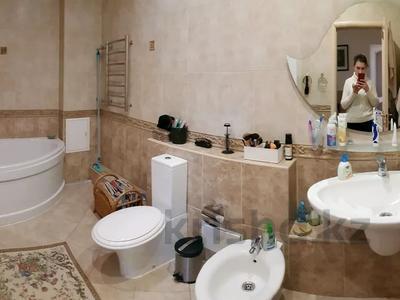 3-комнатная квартира, 215 м², 1/4 этаж, Мусабаева за 75 млн 〒 в Алматы, Бостандыкский р-н — фото 8