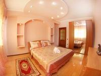 3-комнатная квартира, 130 м², 13/25 этаж посуточно, Абиша Кекилбайулы — Розыбакиева за 25 000 〒 в Алматы