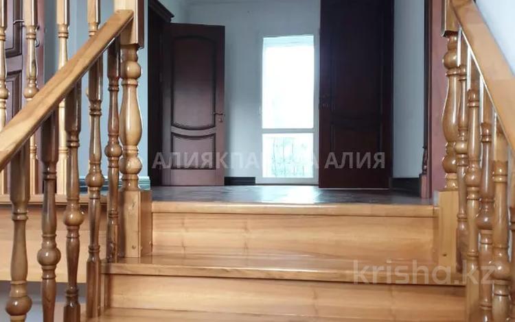 5-комнатный дом, 280 м², 14 сот., Байтерек за 96 млн 〒 в ИЯФ