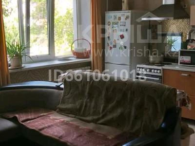 3-комнатная квартира, 75 м², 2/5 этаж, Тодстого 104 — Камзина за 11.5 млн 〒 в Павлодаре — фото 9