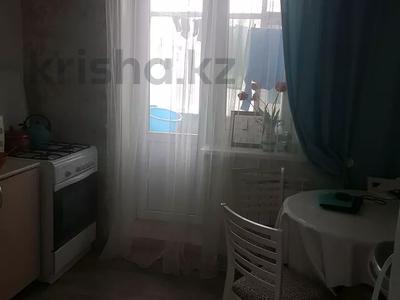 1-комнатная квартира, 40 м², 2/5 этаж, мкр Кунаева 3 за 8 млн 〒 в Уральске, мкр Кунаева — фото 3
