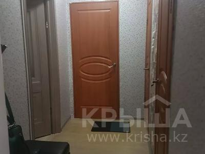 1-комнатная квартира, 40 м², 2/5 этаж, мкр Кунаева 3 за 8 млн 〒 в Уральске, мкр Кунаева — фото 4