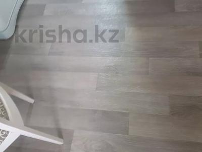 1-комнатная квартира, 40 м², 2/5 этаж, мкр Кунаева 3 за 8 млн 〒 в Уральске, мкр Кунаева — фото 6