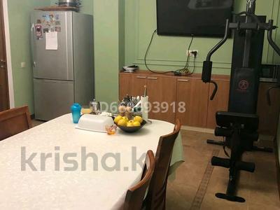 4-комнатная квартира, 185 м², 2/10 этаж помесячно, Бокейхана 2 за 380 000 〒 в Нур-Султане (Астана), Есиль р-н — фото 3
