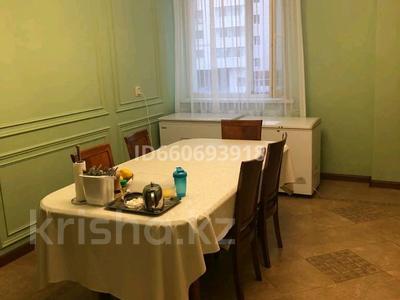 4-комнатная квартира, 185 м², 2/10 этаж помесячно, Бокейхана 2 за 380 000 〒 в Нур-Султане (Астана), Есиль р-н — фото 5