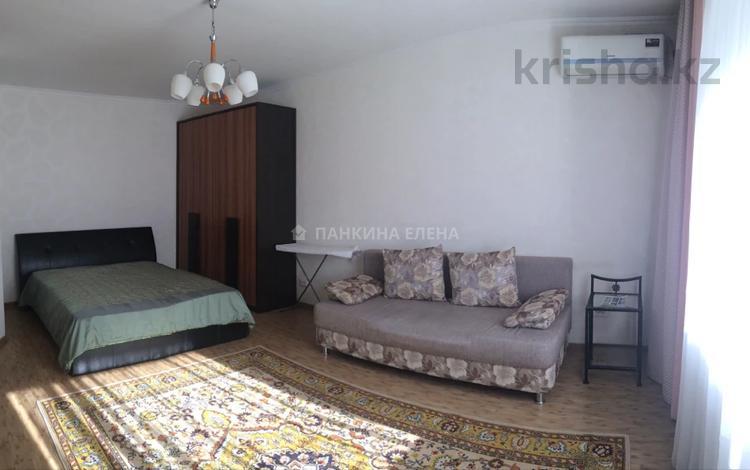 1-комнатная квартира, 50 м², 3/9 этаж посуточно, Иманбаева 2 — Иманова за 7 000 〒 в Нур-Султане (Астана), р-н Байконур