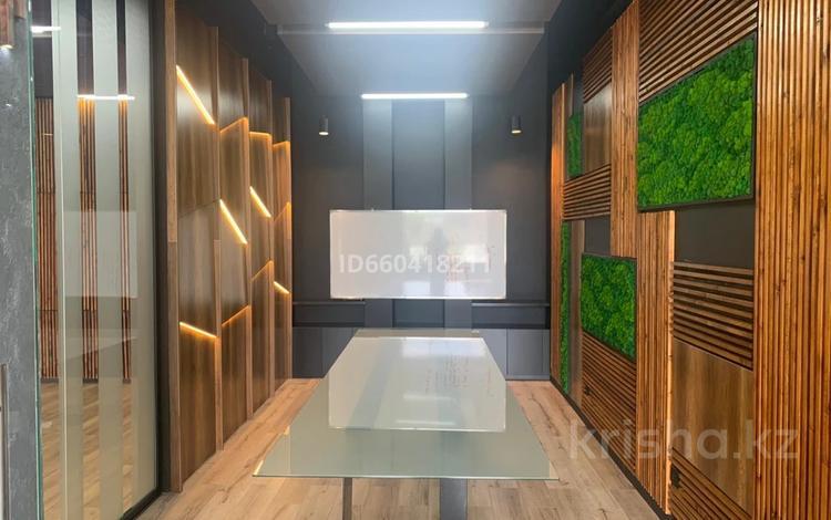 Офис площадью 24 м², Алихана Бокейханова 28 — проспект Улы Дала за 200 000 〒 в Нур-Султане (Астана), Есиль р-н