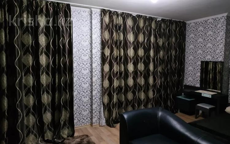 1-комнатная квартира, 54 м², 3/10 этаж посуточно, Сатпаева 21 — Майлина за 8 000 〒 в Нур-Султане (Астана)