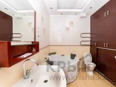 2-комнатная квартира, 70 м², 16/25 этаж посуточно, Каблукова 270 за 12 000 〒 в Алматы, Бостандыкский р-н — фото 8