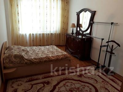 2-комнатная квартира, 75 м², 6/9 этаж помесячно, Кулманова 107 за 150 000 〒 в Атырау — фото 2