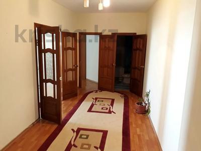 2-комнатная квартира, 75 м², 6/9 этаж помесячно, Кулманова 107 за 150 000 〒 в Атырау — фото 5