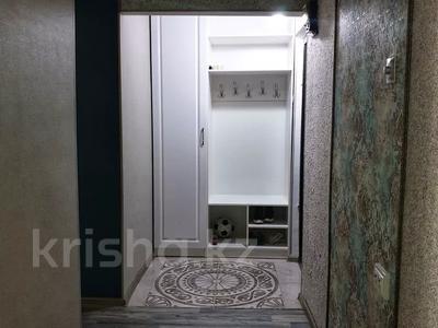 2-комнатная квартира, 50 м² посуточно, Авангард-4 за 8 000 〒 в Атырау, Авангард-4 — фото 3