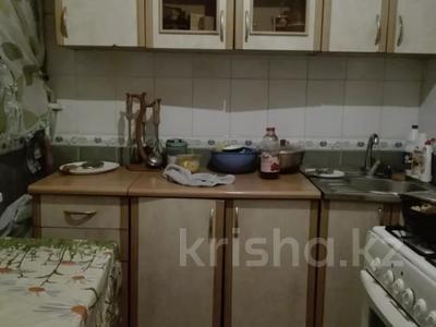 1-комнатная квартира, 44 м², 1/9 этаж посуточно, мкр Жетысу-4, Абая 24 — Момышулы за 5 000 〒 в Алматы, Ауэзовский р-н — фото 4