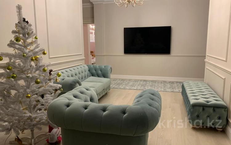 3-комнатная квартира, 108.6 м², 3/10 этаж, Абикена Бектурова 3 за 54.6 млн 〒 в Нур-Султане (Астана), Есиль р-н