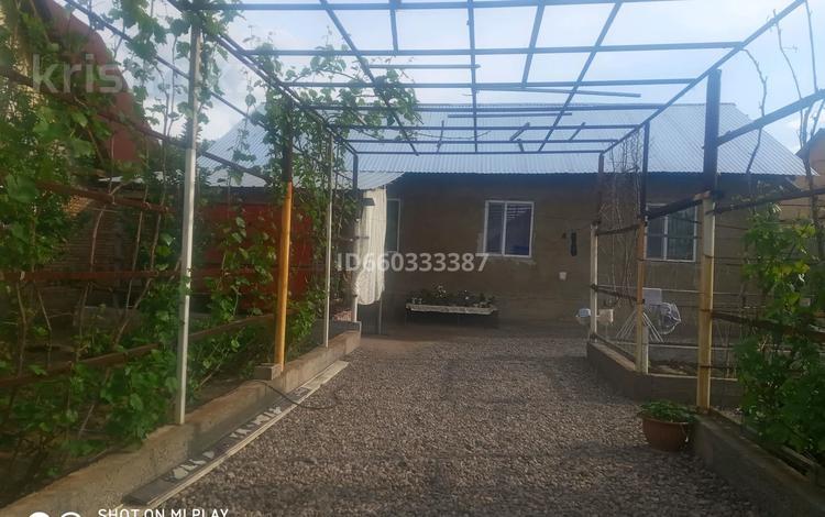 6-комнатный дом, 150 м², 6 сот., мкр Кокжиек 48 за 18 млн 〒 в Алматы, Жетысуский р-н