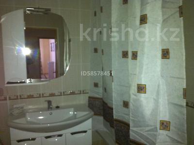 2-комнатная квартира, 114 м², 11/16 этаж помесячно, Бактыгерея Кулманова 1Б за 300 000 〒 в Атырау