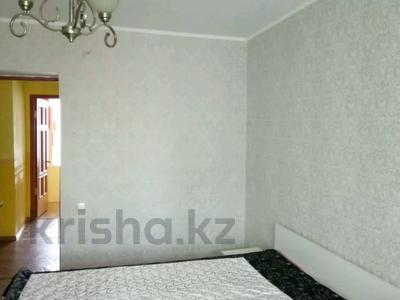 3-комнатная квартира, 70 м², 5/9 этаж помесячно, Гапеева 1 за 90 000 〒 в Караганде, Казыбек би р-н — фото 2