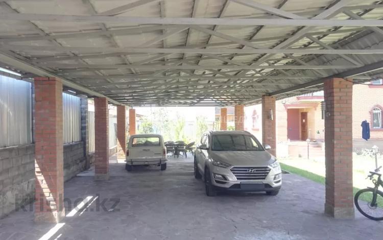 8-комнатный дом, 343 м², 10 сот., мкр Калкаман-2, Шаляпина за 119 млн 〒 в Алматы, Наурызбайский р-н