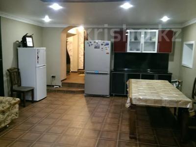 4-комнатный дом, 190 м², 8 сот., 26 микрорайон Толстого за 18 млн 〒 в Экибастузе — фото 3