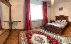 2-комнатная квартира, 89 м², 5/5 этаж посуточно, Авангард 2мкр 11б за 11 000 〒 в Атырау
