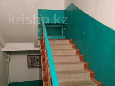 3-комнатная квартира, 63 м², 5/5 этаж, 8 мкр 20 за 11.3 млн 〒 в Таразе — фото 7