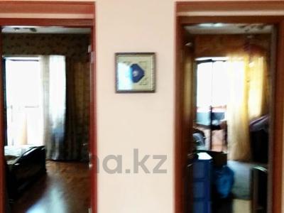 3-комнатная квартира, 80 м², 2/5 этаж, Мынбаева за 43.5 млн 〒 в Алматы, Бостандыкский р-н