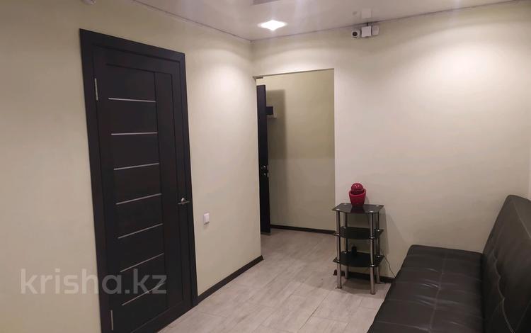 Офис площадью 47 м², мкр Юго-Восток, Муканова 26 за 22.5 млн 〒 в Караганде, Казыбек би р-н