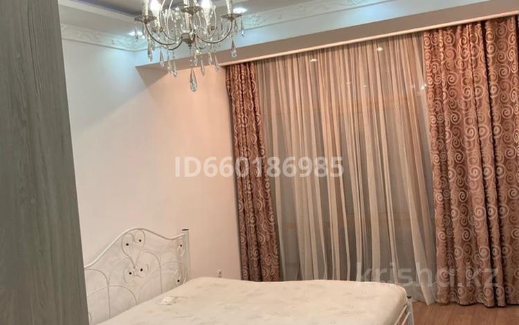 3-комнатная квартира, 120 м², 3/13 этаж посуточно, Абдулинных — Гоголя за 15 000 〒 в Алматы, Медеуский р-н