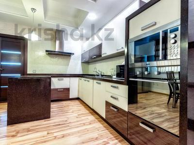 3-комнатная квартира, 135 м², 14/41 этаж посуточно, Достык 5 — Кабанбай Батыра за 20 000 〒 в Нур-Султане (Астана), Есиль р-н — фото 11