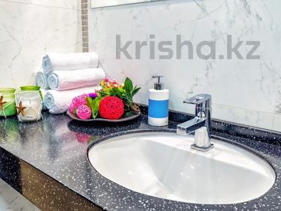 3-комнатная квартира, 135 м², 14/41 этаж посуточно, Достык 5 — Кабанбай Батыра за 20 000 〒 в Нур-Султане (Астана), Есиль р-н — фото 18
