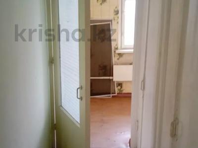 1-комнатная квартира, 35 м², 5/5 этаж, 10 мкр. за 4.9 млн 〒 в Таразе — фото 3