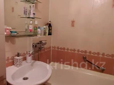 4-комнатная квартира, 77 м², 4/12 этаж, мкр Аксай-2 — Саина за 26.5 млн 〒 в Алматы, Ауэзовский р-н — фото 10