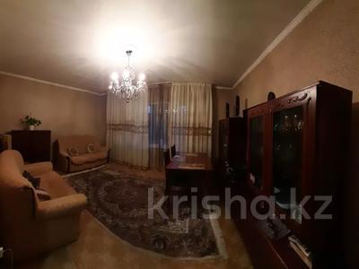4-комнатная квартира, 77 м², 4/12 этаж, мкр Аксай-2 — Саина за 26.5 млн 〒 в Алматы, Ауэзовский р-н — фото 3