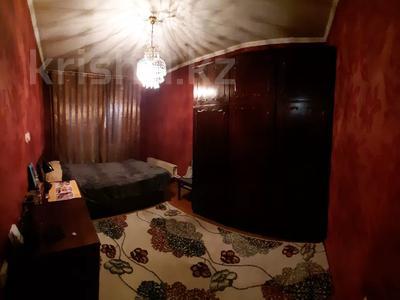 4-комнатная квартира, 77 м², 4/12 этаж, мкр Аксай-2 — Саина за 26.5 млн 〒 в Алматы, Ауэзовский р-н — фото 8