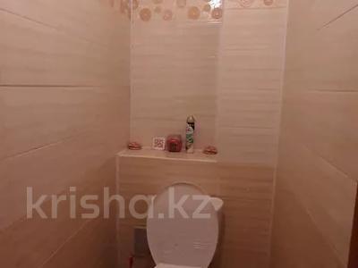 4-комнатная квартира, 77 м², 4/12 этаж, мкр Аксай-2 — Саина за 26.5 млн 〒 в Алматы, Ауэзовский р-н — фото 9