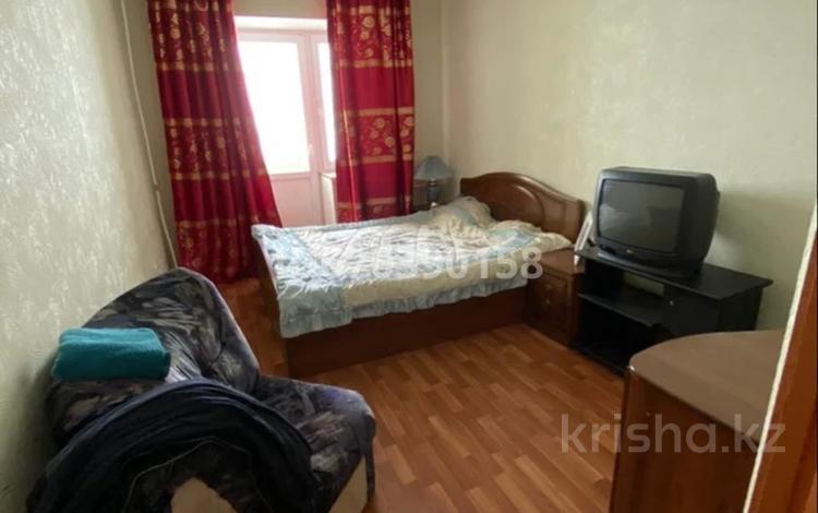 2-комнатная квартира, 56 м², 1/9 этаж, мкр. Батыс-2 42 за 10.3 млн 〒 в Актобе, мкр. Батыс-2