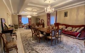 9-комнатный дом, 450 м², 12 сот., 12 мкр 22 за 80 млн 〒 в Актобе
