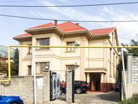 5-комнатный дом помесячно, 700 м², 0.15 сот.
