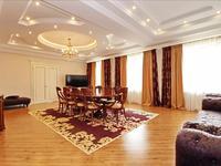 9-комнатный дом, 876 м², 10 сот.