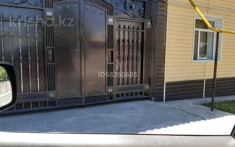 8-комнатный дом, 220 м², 8 сот., Мкр Пахтакор 14 — Алгабас за 28 млн 〒 в Шымкенте, Енбекшинский р-н