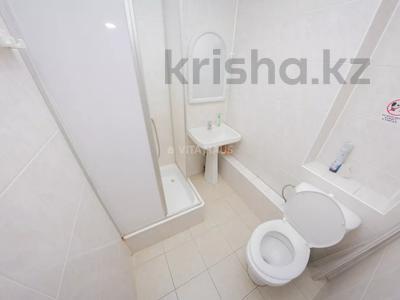 1-комнатная квартира, 31 м², 2/5 этаж посуточно, Ауэзова 150 — Конституции Казахстана за 5 500 〒 в Петропавловске — фото 6