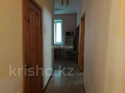 2-комнатная квартира, 58 м², 1/2 этаж помесячно, Ленина 54 — Шакирова за 110 000 〒 в Караганде, Казыбек би р-н — фото 5