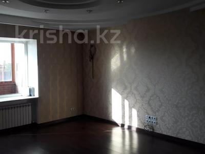 3-комнатная квартира, 103 м², 7/9 этаж, Алиханова 36/3 за 40 млн 〒 в Караганде, Казыбек би р-н — фото 11