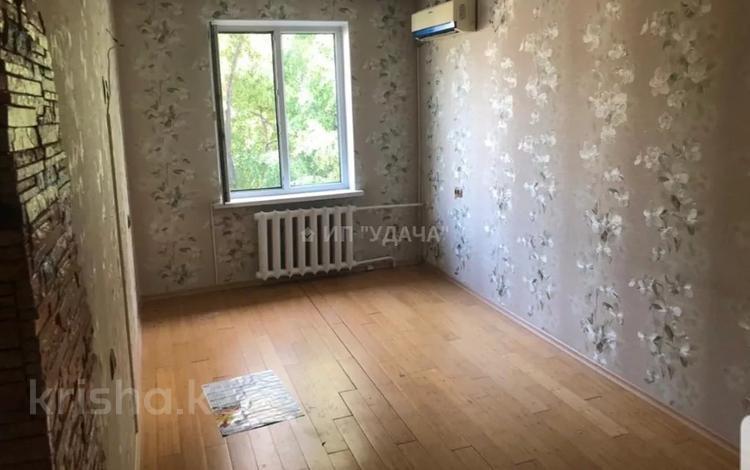 3-комнатная квартира, 60 м², 1/4 этаж, мкр Коктем-1 28 за 21.8 млн 〒 в Алматы, Бостандыкский р-н