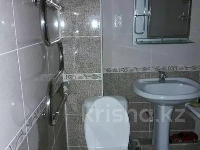 1-комнатная квартира, 36 м², 2/5 этаж посуточно, Пазылбекова 2 — Байтурсынова за 7 000 〒 в Шымкенте, Аль-Фарабийский р-н — фото 2