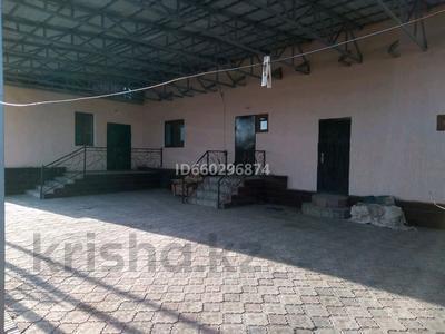 5-комнатный дом посуточно, 160 м², улица Шакирова 25 за 30 000 〒 в Таразе — фото 2
